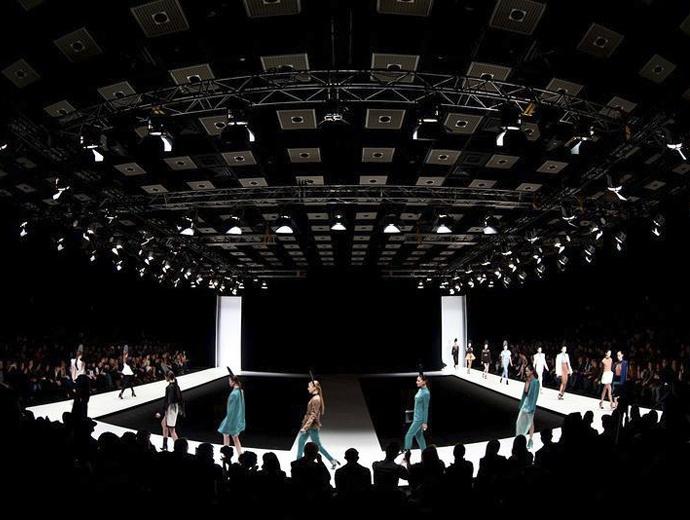 Mercedes benz fashion day спб работа для девушек в эротике